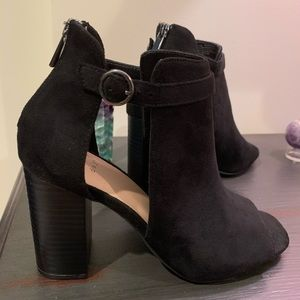 ✨ black booties ✨